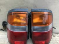 Задний фонарь на Nissan Terrano R50 за 18 000 тг. в Алматы