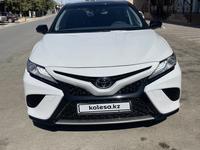 Toyota Camry 2021 года за 17 800 000 тг. в Шымкент