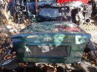 Крышка багажника на тойоту авенсис 2000г за 50 000 тг. в Усть-Каменогорск