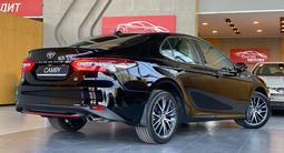 Toyota Camry 2021 года за 18 300 000 тг. в Алматы – фото 4