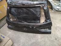 Крышка багажника на Lexus LX570 2018 год оригинал есть дефект… за 90 000 тг. в Нур-Султан (Астана)