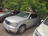 Mercedes-Benz ML 430 2001 года за 6 000 000 тг. в Алматы – фото 2