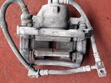 Суппорт тормозной передний правый на Nissan Primera p12, (2002-2008 год) за 10 000 тг. в Караганда – фото 2