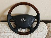 Руль Mercedes w211 руль в отличном состоянии руль с подогревом за 100 000 тг. в Нур-Султан (Астана)
