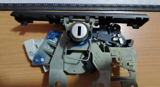 Механизм замка багажника на пассат б5 за 112 тг. в Алматы