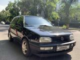 Volkswagen Golf 1994 года за 1 300 000 тг. в Алматы