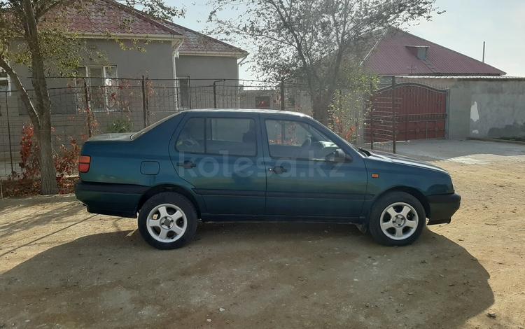 Volkswagen Vento 1993 года за 1 100 000 тг. в Актау