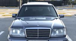 Mercedes-Benz E 280 1994 года за 2 950 000 тг. в Шымкент
