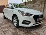 Hyundai Accent 2018 года за 4 500 000 тг. в Караганда – фото 2