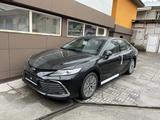 Toyota Camry 2021 года за 20 150 000 тг. в Алматы