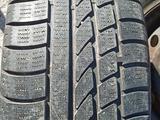 Диск с резиной на BMW за 10 000 тг. в Караганда – фото 2