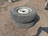 Комплект шин за 3 000 тг. в Уральск – фото 4
