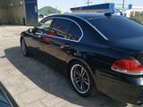 BMW 760 2004 года за 2 700 000 тг. в Жанаозен – фото 2