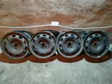 Диски штамповка R15 (5*100, ЕТ 38, ЦО 57, 1) Volkswagen, оригинал б у за 25 000 тг. в Караганда