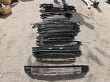 Решетка левая Land Cruiser 200 за 5 000 тг. в Караганда – фото 3