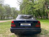 Mercedes-Benz C 280 1995 года за 1 850 000 тг. в Алматы – фото 2