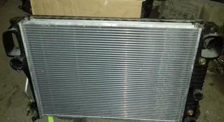 Радиатор охлаждения основной Mercedes W221 за 80 000 тг. в Алматы