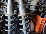 Стойки (амортизаторы) в сборе. Lexus GS300, jzs160 за 65 000 тг. в Нур-Султан (Астана) – фото 3