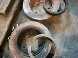 Суппорт с дисками задние за 15 000 тг. в Актобе