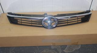 Решетка радиатора на Toyota Camry 55 за 708 тг. в Алматы