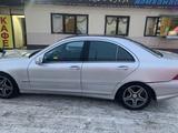Mercedes-Benz C 200 2002 года за 2 700 000 тг. в Нур-Султан (Астана) – фото 5