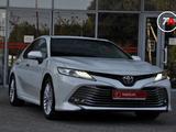 Toyota Camry 2019 года за 14 100 000 тг. в Шымкент