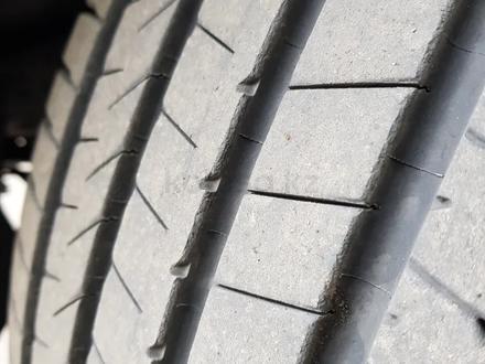 Шины Bridgestone Alenza 001 летняя 4шт за 290 000 тг. в Алматы – фото 2