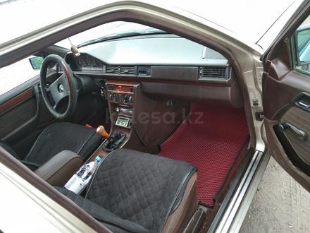 Mercedes-Benz E 200 1991 года за 1 350 000 тг. в Семей – фото 9