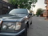 Mercedes-Benz E 260 1991 года за 1 300 000 тг. в Тараз