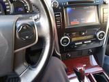 Toyota Camry 2014 года за 9 000 000 тг. в Жанаозен – фото 4