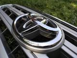 Решетка радиатора на Toyota Land Cruiser 200 за 50 000 тг. в Алматы – фото 5