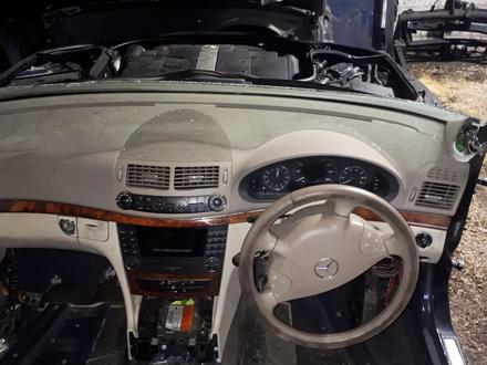 Mercedes-Benz E 260 2004 года за 88 888 тг. в Актобе – фото 2