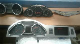 Audi q7 передний щиток прибора б у в оригинале демонтажные за 35 000 тг. в Алматы
