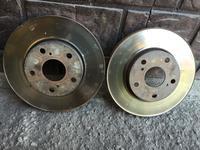 Передние тормозные диски Тойота Камри 30 за 2 000 тг. в Алматы