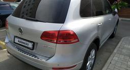 Volkswagen Touareg 2010 года за 7 450 000 тг. в Алматы – фото 4