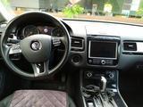 Volkswagen Touareg 2010 года за 7 450 000 тг. в Алматы – фото 3