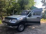 Chevrolet Niva 2007 года за 1 550 000 тг. в Алматы – фото 2