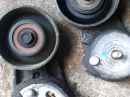 Ролик натяжитель ремня на Форд Escape 3.0 за 12 000 тг. в Караганда