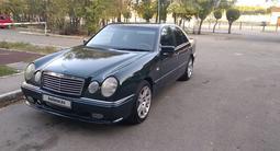 Mercedes-Benz E 230 1997 года за 2 450 000 тг. в Алматы