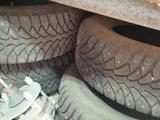 Зимние шипованные шины за 40 000 тг. в Экибастуз – фото 2