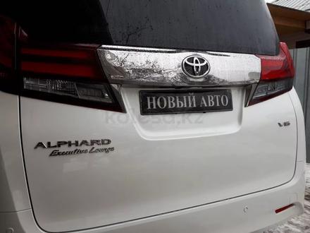 Toyota Alphard 2017 года за 32 900 000 тг. в Алматы – фото 6