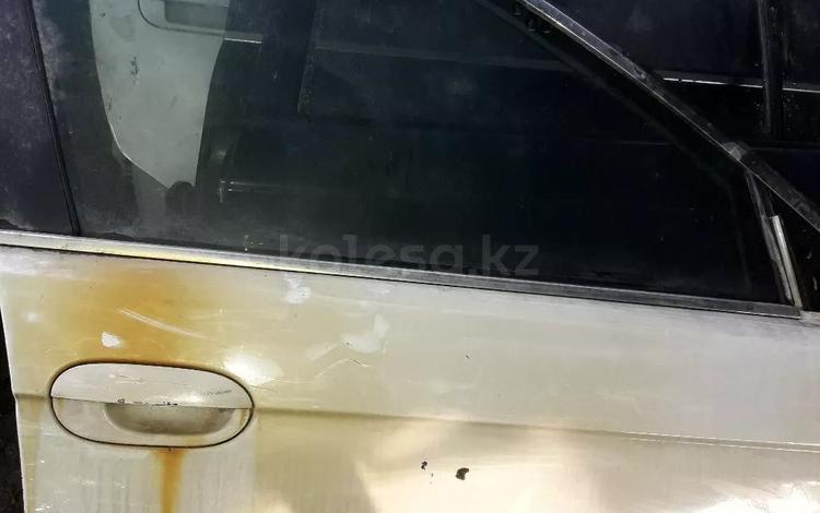Двери на BMW 39 кузов за 10 000 тг. в Алматы