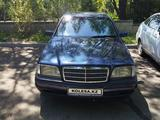 Mercedes-Benz C 220 1995 года за 2 100 000 тг. в Алматы