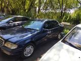 Mercedes-Benz C 220 1995 года за 2 100 000 тг. в Алматы – фото 2