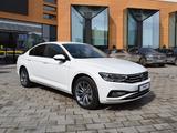Volkswagen Passat Business 1.4 TSI 2021 года за 15 490 000 тг. в Костанай