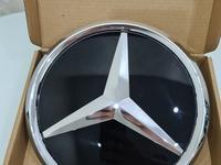 Стеклянный значок Mercedes-Benz за 30 000 тг. в Алматы
