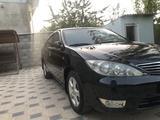 Toyota Camry 2005 года за 6 050 000 тг. в Шымкент – фото 2