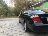 Toyota Camry 2005 года за 6 050 000 тг. в Шымкент – фото 4