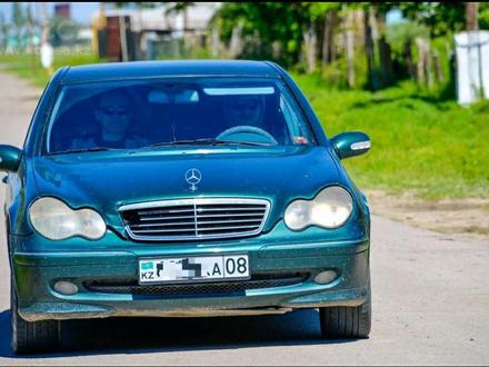 Mercedes-Benz C 240 2001 года за 2 300 000 тг. в Тараз – фото 3