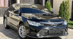 Toyota Camry 2015 года за 9 900 000 тг. в Шымкент – фото 2